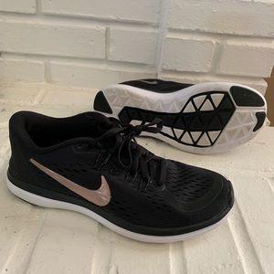 Nike women's sz 5.  Worn once.